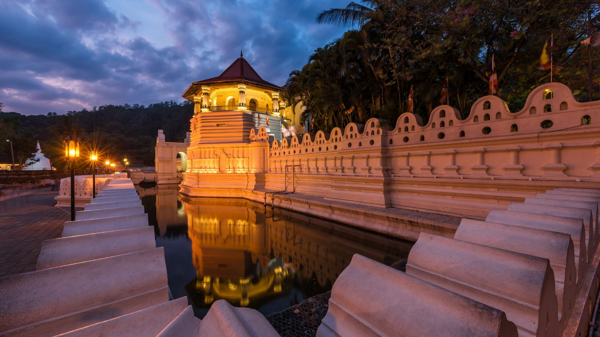Temple Of The Sacred Tooth Relic Kandy Sri Lanka